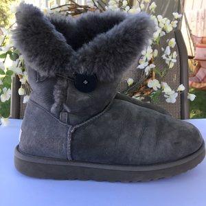 UGG Bailey Button Gray sheepskin Boots. Size 10.